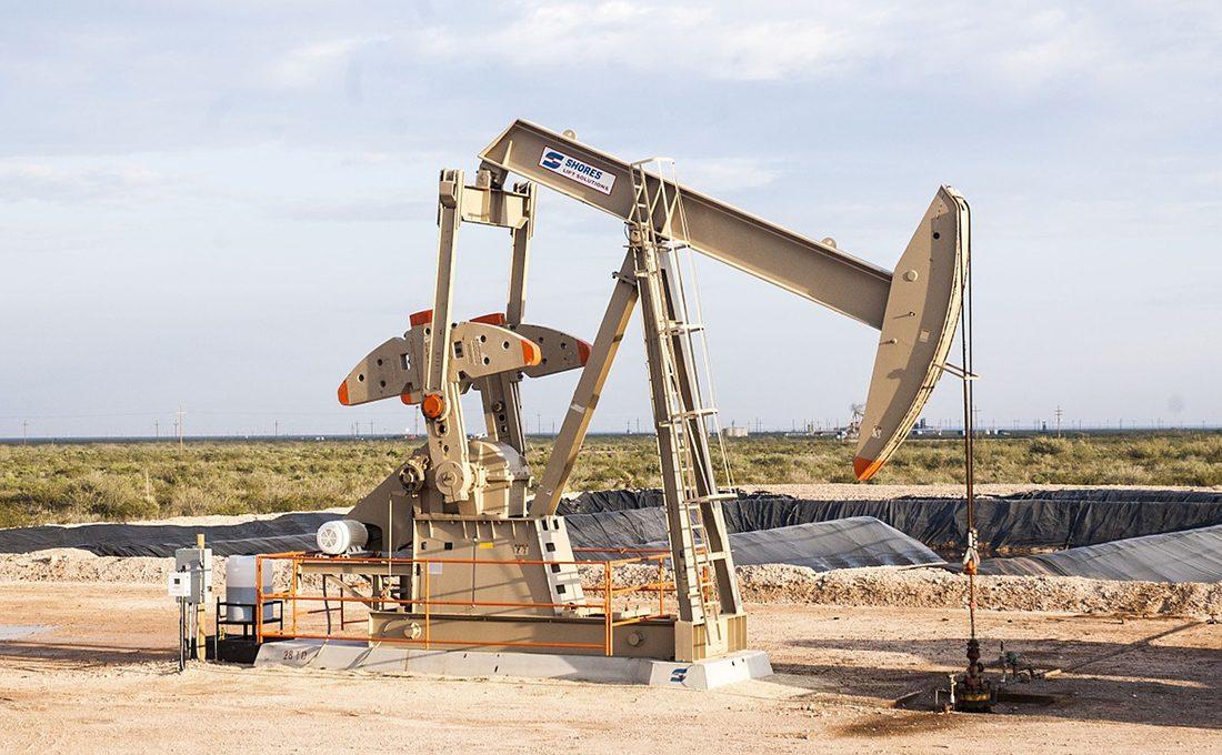 Oil prices jump as U.S Inventories drop