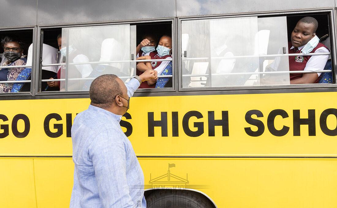 Uhuru donates 10 buses to schools, community institutions